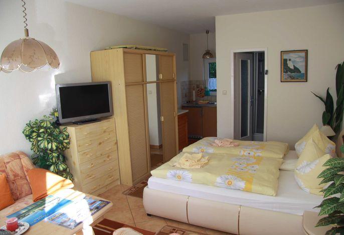 Wohn- unmd Schlafzimmer
