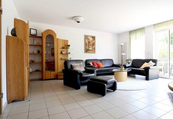 Residenz am Teich Whg.3- Wohnbereich mit gemütlichen Sofas