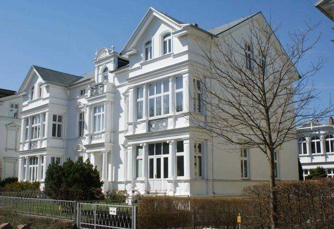 Villa Elisabeth Nebenh.  Fewo Coralle *nur 100m zum Strand*