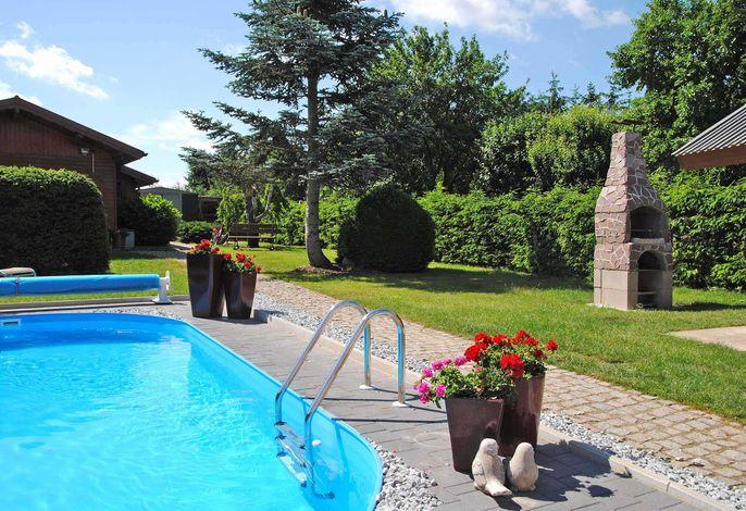 Ferienhäuser mit Pool Kummerow SCHW 1010