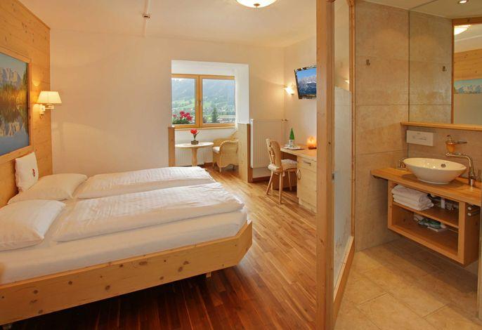 Doppelzimmer mit Loggia und traumhaftem Talblick - Golfurlaub in Kitzbühel