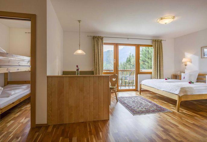 Wohnung Oberndorf - wundervoll für 2 Erwachsene und 2 Kinder - Kinderzimmer mit Etagenbett - Familienurlaub in Tirol