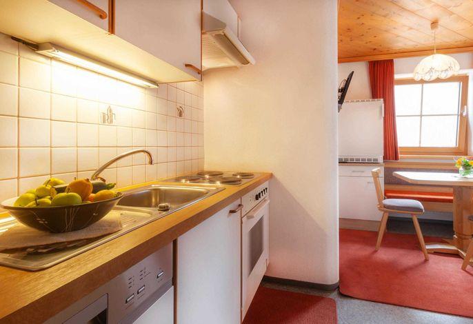 Küchenzeile inklusive Geschirrspüler, Backofen und Kühlschrank