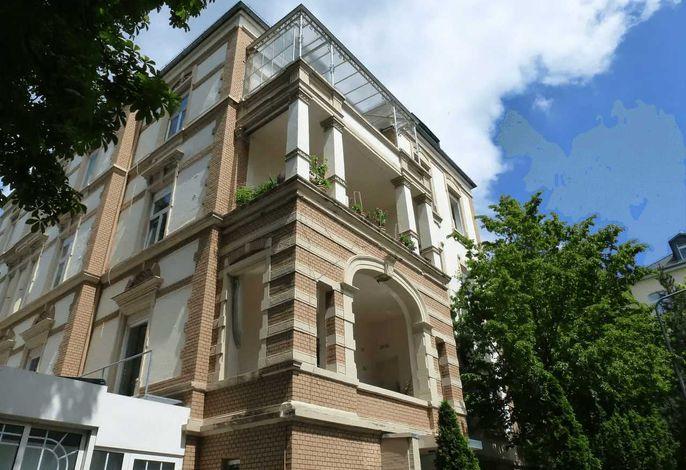 Villa Uhland - View from Kleine Frankfurter Street, Lower Corner Loggia