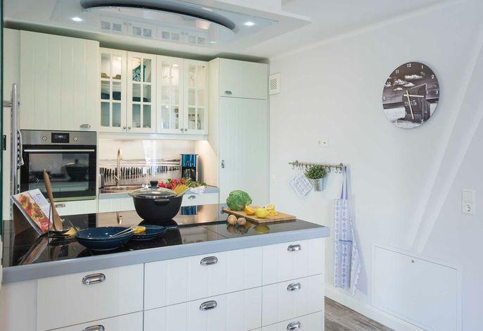 Küche voll eingerichtet