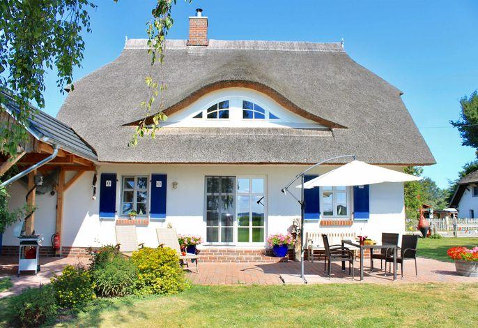 Ferienhaus direkt am Wasser Born FDZ 601