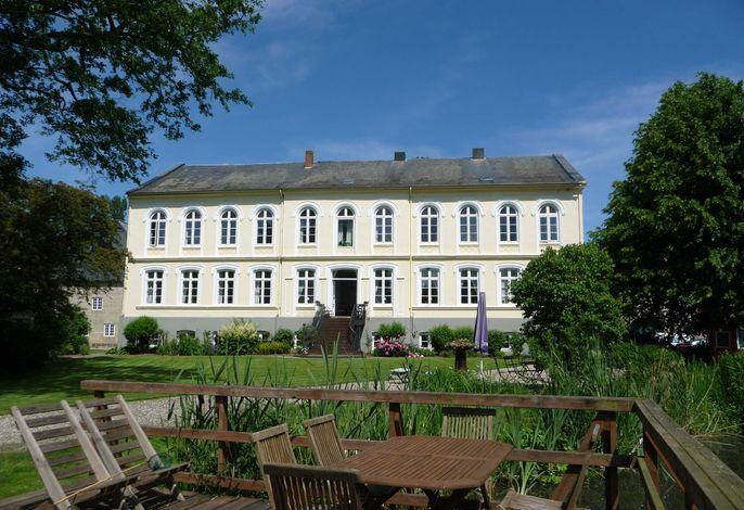 Ferienwohnungen Herrenhaus  Gut Oestergaard