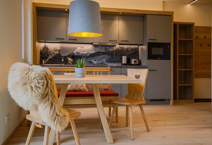 Deluxe Apart Planai mit Sauna - Wohn/Essbereich