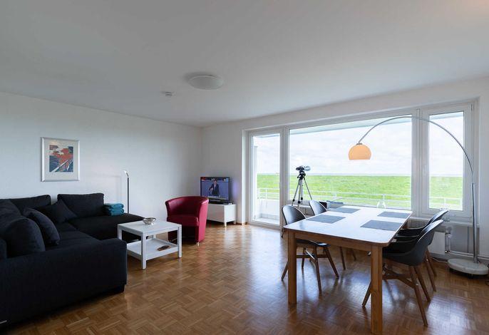 Wohnzimmer mit Blick auf die Elbe
