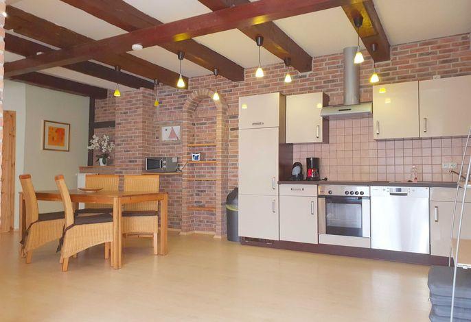 Voll ausgestattete Küche mit Essbereich im Haus Ferienglück