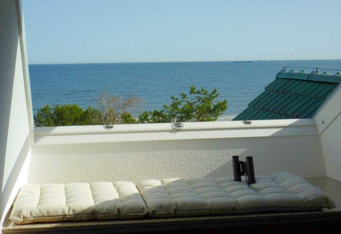 Meerblick aus dem Dachfenster des Appartements