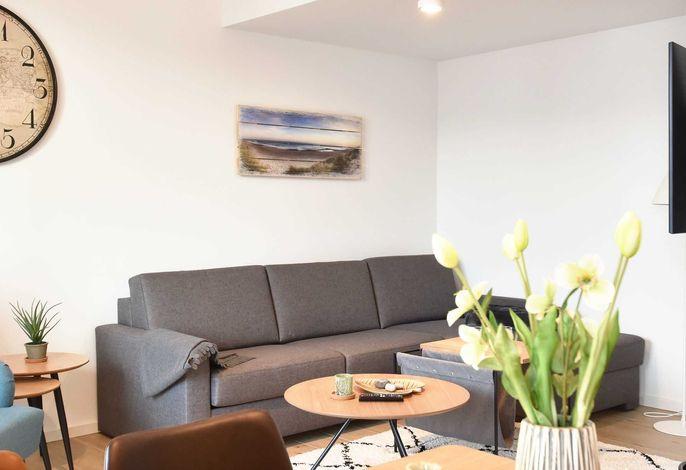 gemütliche Couch im Wohnraum