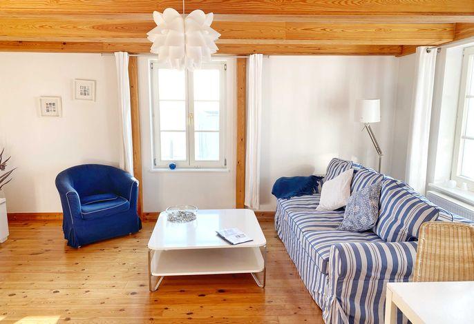 Wohnbereich im Appartement Blue White