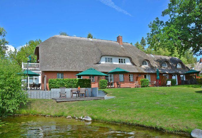 Idyllische Ferienanlage direkt am Krakower See - SEE 10300