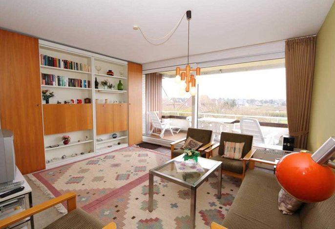 Wohnzimmer mir großem Balkon