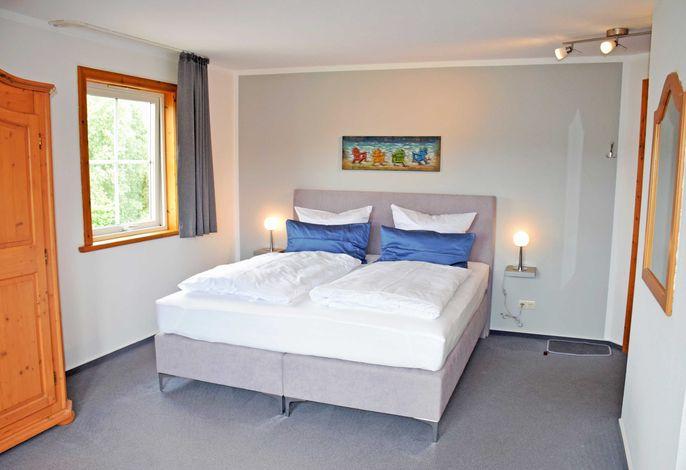 06 Doppelzimmer mit Balkon und Aufbettung