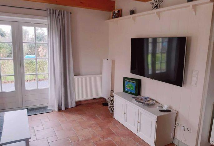 wohnzimmer mit dirketem Zugang zur Terrase
