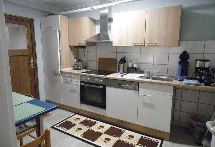 kleine voll ausgestattete Küche , Abwaschmaschine , Kaffeemaschine, Toster , Wasserkocher , Senseo