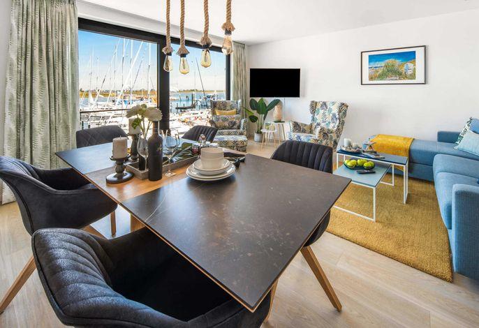 Wohn- und Essbereich mit offener Küche
