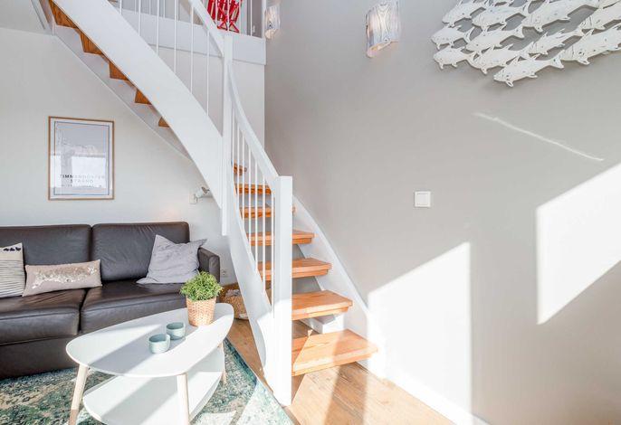 Treppe von der unteren Wohnebene zur oberen Wohnebene