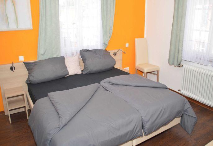 Doppelbett, bei Bedarf teilbares Bett