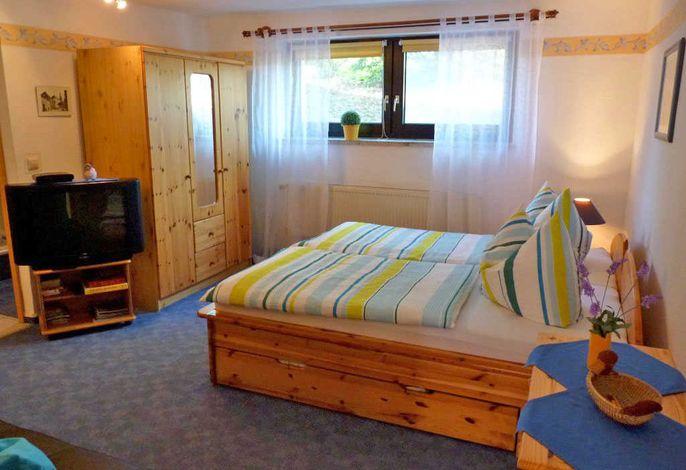 Doppelbett Ferienwohnung 1 Herrmi