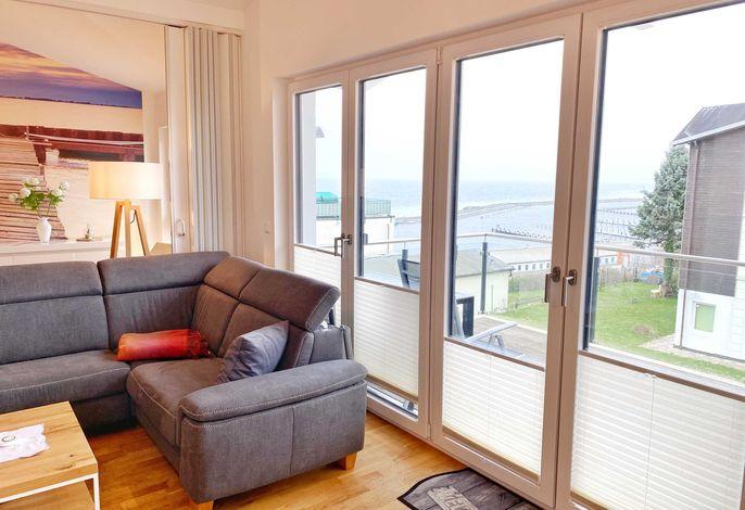 Wohnbereich mit Blick auf Ostsee und Hafen