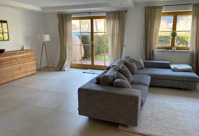 Ferienhaus Angelina, Rottach-Egern: Wohnzimmer mit Couch