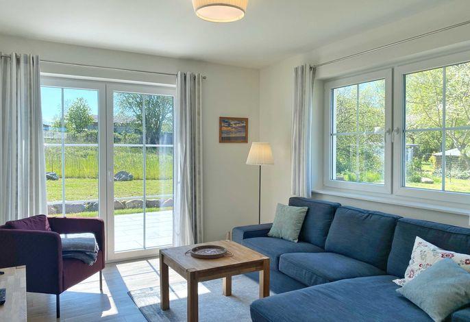 Wohnbereich mit vorgelagerter Terrasse
