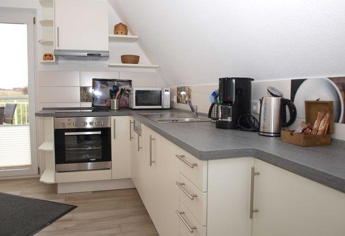Küche mit Zugang zum Südbalkon