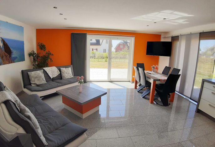 Wohnbereich mit angrenzender terrasse