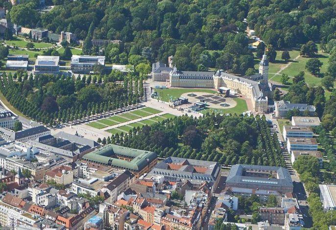 Schloss Karlsruhe aus der Luft