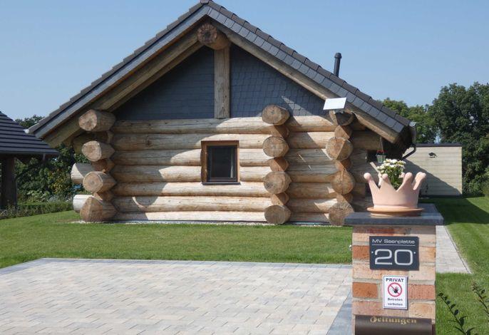 Ferienhaus MeckPomm 22 - Naturstammhaus - Baumstammhaus - Blockhütte - Hütte - Bungalow - Chalet - Mecklenburgische Seenplatte - Mecklenburg Vorpommern