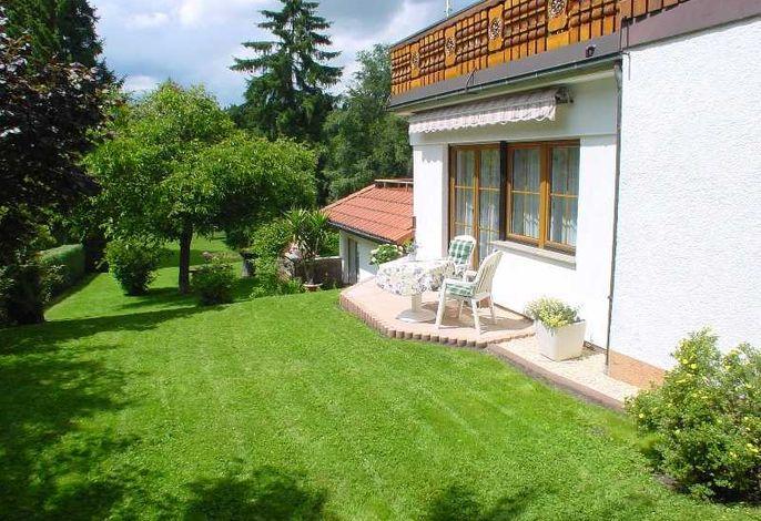 Terrassenbereich im Garten