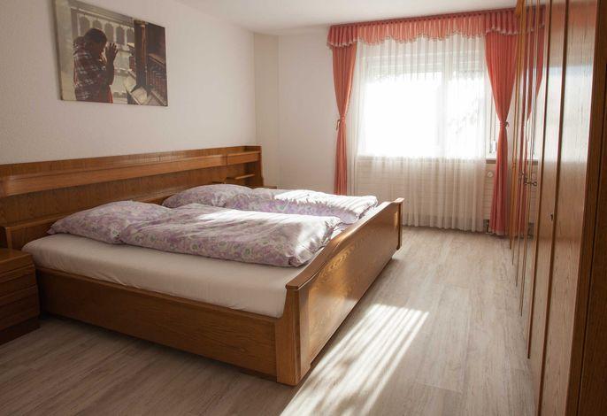 Schlafzimmer-1 mit 2 Schlafplätzen