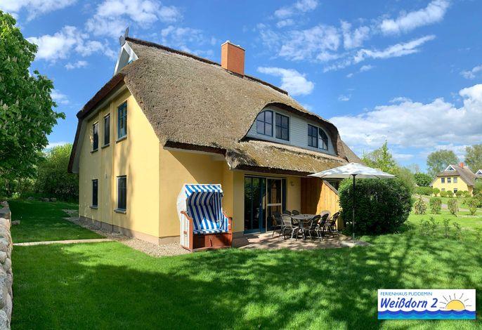 Familienfreundliches Reetdachhaus Weißdorn 2