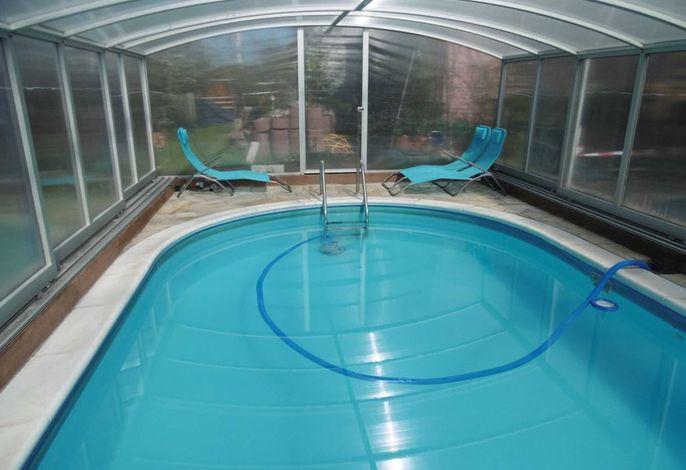 Ferienhaus mit Poolhalle und Sauna