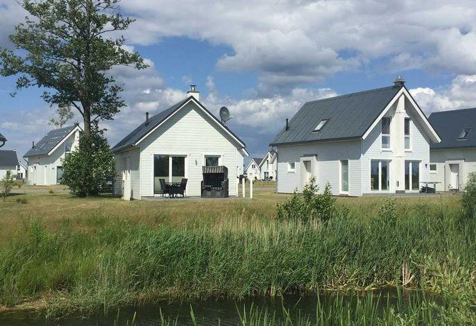 Dänisches Holzhaus mit Blick ins Grüne