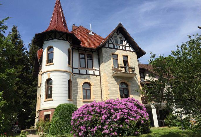 Ferienhaus & Ferienwohnungen
