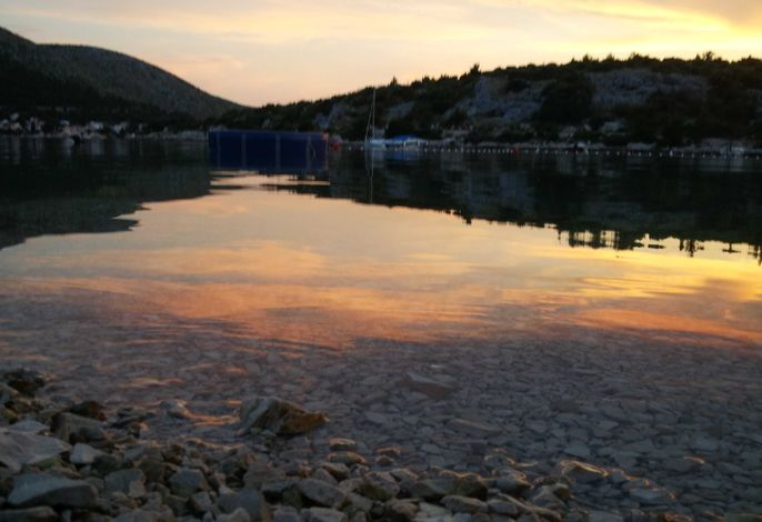 Bucht Galesnica im Nacht