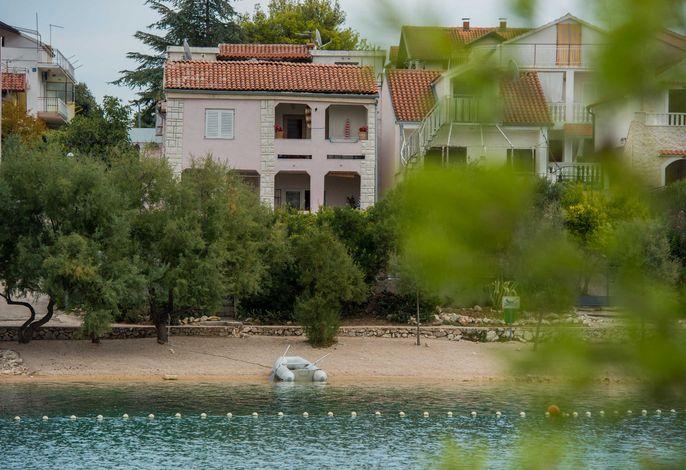 Ferienhaus VillaPolajner  und Ferienwohnung Adria