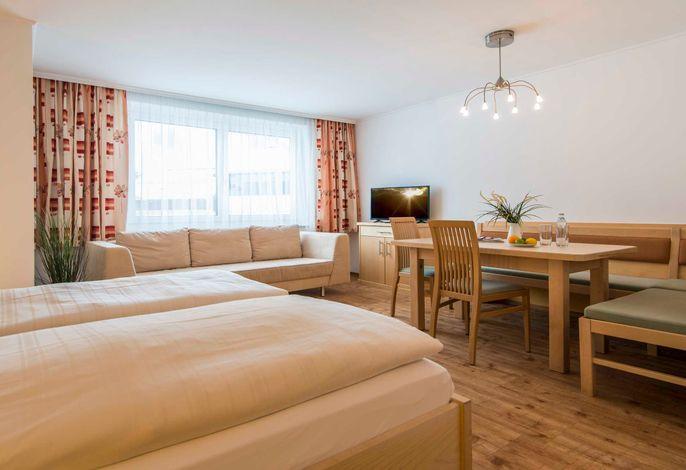 smartFlat M -gemütliches Appartement für bis zu 4 Personen, Bad mit Dusche/WC, Balkon(teilweise); Küche komplettausegstattet mit Herd, Backofen/Mikrowelle Kühlgefrierkombination, Sat  TV; WLan;  (Beispielbild Kategorie)