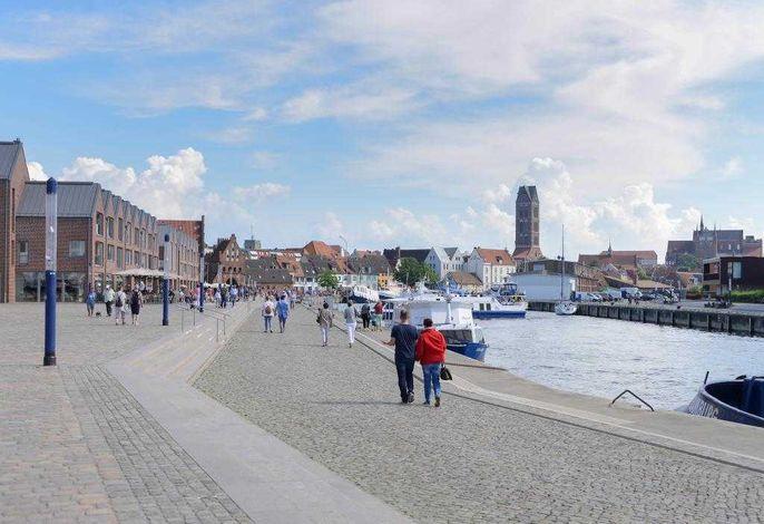 Hansestadt Wismar - Blick auf den Alten Hafen