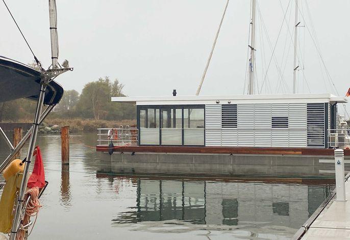 WELL Hausboote auf Usedom mit Kamin und 2 SZ #01