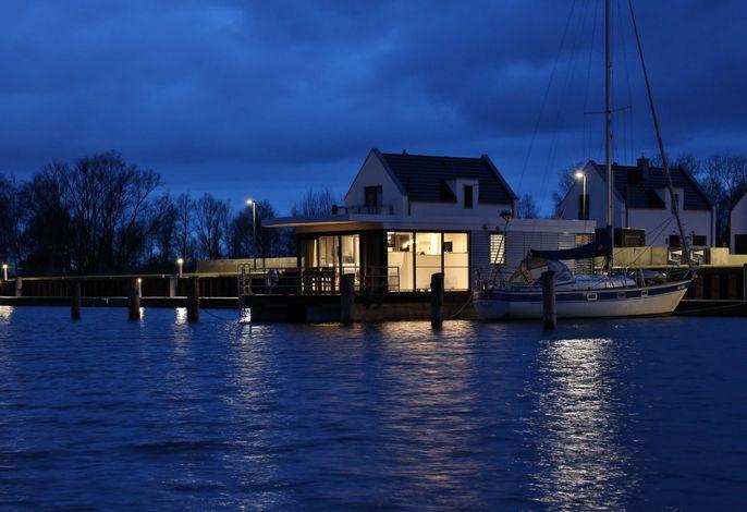 WELL Hausboote auf Usedom mit Kamin und 2 SZ #03