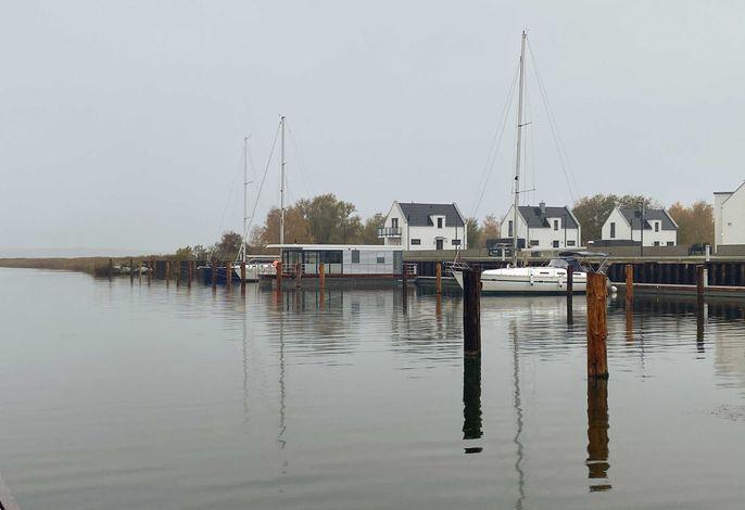 WELL Hausboote auf Usedom mit Kamin und 2 SZ #10