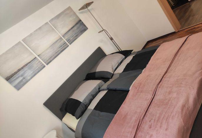 Schlafzimmer Doppelbett 1,60m
