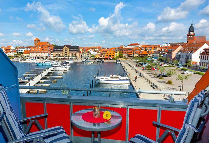 Sonnenbalkon mit wunderschönem Hafenblick