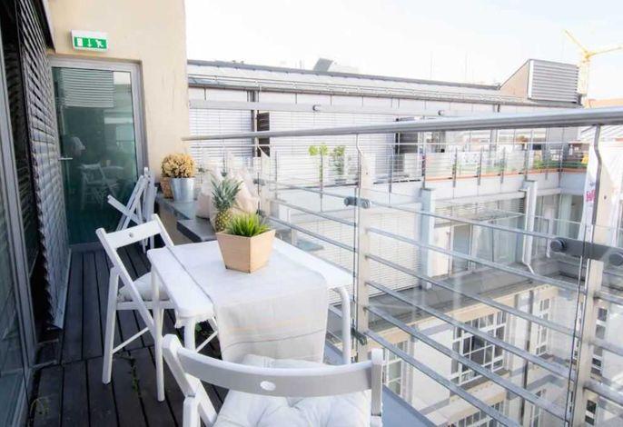 Sonniger Balkon für einen entspannten Nachmittag