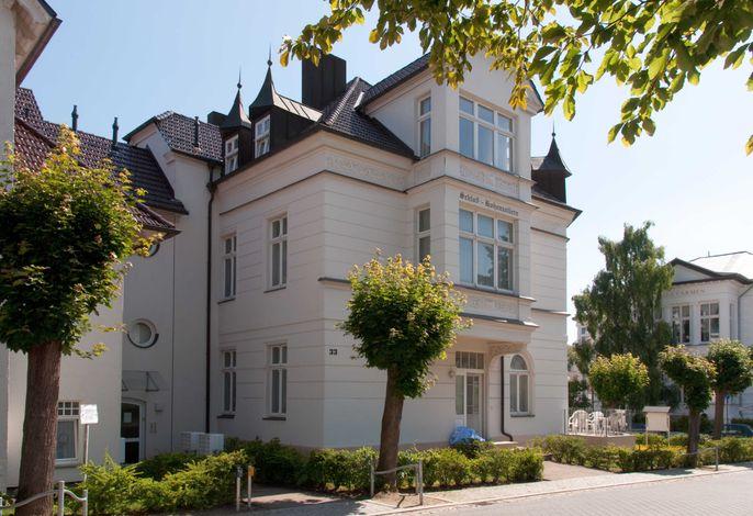 Ahlbeck, Schloss Hohenzollern - FeWo Christensen - WG 24